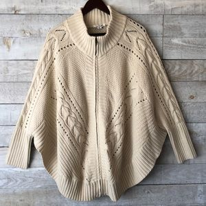 Batwing sleeve zip cotton cable poncho